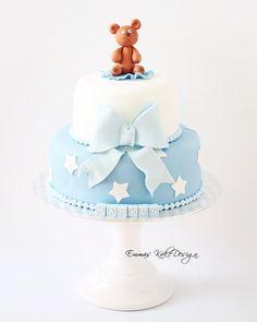 Emmas KakeDesign: Simple but elegant Christening cake with a teddy cake topper! www.emmaskakedesign.blogspot.com