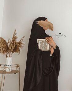 Stylish Hijab, Modest Fashion Hijab, Abaya Fashion, Teen Fashion Outfits, Hijabs, Islamic Girl, Stylish Girls Photos, Girl Hijab, Muslim Girls