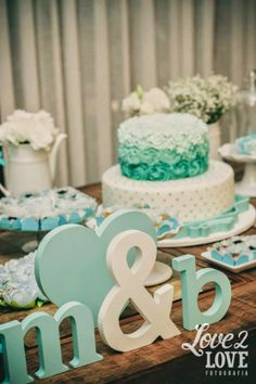 noivado-azul-tiffany-letras-mdf-iniciais-noivos-bolo