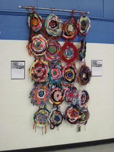 Finger Knit Weaving (Why I Love Art blog) @Teresa Selberg Selberg Selberg Selberg Moore  Fun!!! Reminded me of you, Aunt T.