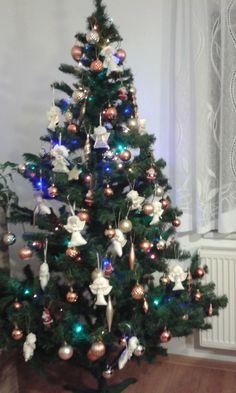 Christmas Tree, Holiday Decor, Home Decor, Homemade Home Decor, Xmas Tree, Xmas Trees, Decoration Home, Christmas Trees, Interior Decorating