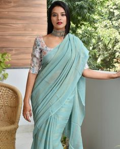 Best Brand To Shop Exceptional Formal Wear Sarees - - Check out some of the exceptional formal office wear sarees for working women from a very popular brand called the apik store. Simple Sarees, Trendy Sarees, Stylish Sarees, Fancy Sarees, Formal Saree, Casual Saree, Designer Saree Blouses, Dress Indian Style, Indian Dresses
