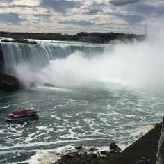 Don't go chasing waterfalls... #NiagaraFalls on a Monday!