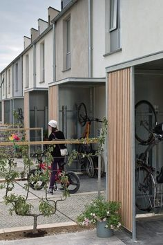 a contemporary and sustainable re-interpretation of Swindon's century railway town vernacular, The Triangle has won many plaudits Detail Architecture, Brick Architecture, Residential Architecture, Interior Architecture, Uk Housing, Social Housing, Sp City, Townhouse Designs, Small Modern Home