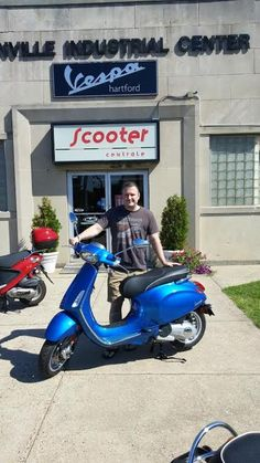 Todd M from W. Hartford and his ultra-stylish 2015 Vespa Sprint 150! Thanks Todd & enjoy the scooter! :)  #vespa #vespahartford #scooter #scootercentrale #fun #summer #smile #westhartford #ct #bluebacksquare