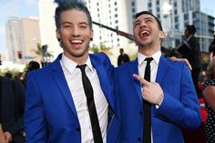 twenty one pilots | twenty one pilots Pictures - Arrivals at the MTV Movie Awards — Part ...