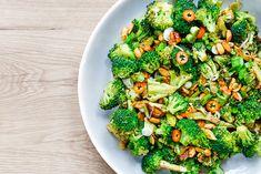 broccoli-cu-alune-si-ceapa-verde-1