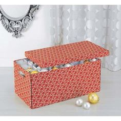 RED AND WHITE HOLIDAY ORNAMENT BOX WITH DIVIDERS | Get Organized #holiday #holidaystorage