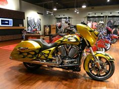 COASTAL VICTORY & INDIAN MOTORCYCLE'S 843-651-9799 2014 VICTORY CROSS COUNTRY FACTORY FLAME - Murrells Inlet SC