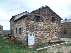#Edificios #Rustico #Exterior #Antes y despues #Fachada #Ventanas