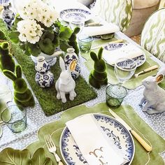 Chic Easter Inspiration on the blog today🍃🐰 this tasteful table by @serena_fresson via @mrsalice is beyond perfect inspiration #Easter…