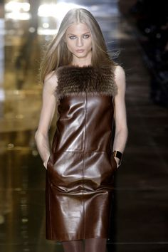 Style of Westeros House Mormont, Bear Island, Anna Selezneva, Haute Couture Dresses, Types Of Girls, Brown Shades, Makes You Beautiful, Emily Ratajkowski, Jason Wu