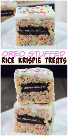 Stuffing sprinkles and Oreo cookies into these rice krispie treats makes them a seriously fun snack! Stuffing sprinkles and Oreo cookies into these rice krispie treats makes them a seriously fun snack! Rice Krispy Treats Recipe, Rice Crispy Treats, Yummy Treats, Sweet Treats, Oreo Rice Krispie Treats, Rice Krispie Cakes, Köstliche Desserts, Delicious Desserts, Dessert Recipes