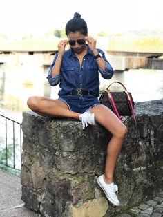 Denim Outfit - Jean Shirt - Jean Shorts Shirt And Jeans Women, Denim Outfit, Jean Shirts, Jean Outfits, Daily Fashion, Shorts, Lady, My Style, Classic