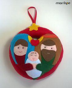 O Natal está chegando e eu quero te dar algumas dicas de decoração! A primeira delas é essa guirlanda, vem conferir :)