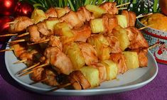 Shish kebab in oven from chicken and pineapple (weight loss) Oven Shish Kabobs, Shish Kebab, Shrimp Kabobs, Chicken Skewers, Chicken Recipes Food Network, Pineapple Chicken Recipes, Cooking Eggplant, Cooking Fails, Cooking Light Recipes
