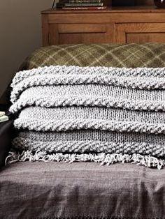 Moss Stitch Ripple Large Cushion by Rowan Knitting Patterns Free, Knit Patterns, Stitch Patterns, Free Pattern, Knitting Tutorials, Knitting Ideas, Free Knitting, Large Cushion Covers, Large Cushions