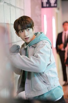 First time I ever saw Jinyoung in a drama was in Dream High 2 (wow nostalgia). Seeing him as such a perfect male lead in this one makes me so proud. the actor you are today, Park Jin Young.🖤 // He is Psychometric Yugyeom, Youngjae, Jyp Got7, Got7 Jinyoung, J Pop, Girls Girls Girls, Korean Celebrities, Korean Actors, Got7 Junior