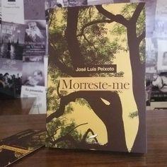 """""""Morrreste-me"""", do português José Luís Peixoto, será tema 25ª edição do Clube de Leitores da Sapere Aude! Livros, no próximo dia 20 de maio, a partir das 19h. Publicado originalmente em 2000 e, agora, lançado no Brasil, """"Morreste-me"""" é um livro tocante e comovente. Ao mesmo tempo que relata a morte do pai, o luto, a obra é uma homenagem, uma memória redentora. Inscrições: info@sapereaudelivros.com.br"""
