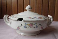 Sopera / Guisera Porcelana Antigua - Impecable - $ 480,00 en MercadoLibre