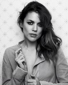 Adriana Ugarte (Madrid, 17 de enero de 1985), actriz española