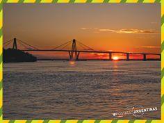 Atardecer en el #PuenteGeneralManuelBelgrano que une las ciudades de #Resistencia y #Corrientes. ¿Cuál es el puente más impactante que cruzaste? #Turismo #Argentina #Chaco #ViajesGuíasYPF #GuíasYPF #Viajes #YPF