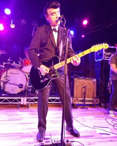 Unknown Hinson onstage with his signature overdrive pedal! See that.... Not all of our signature guys are AxeFX users! Haha
