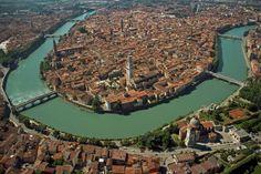 Veduta aerea del centro storico di Verona