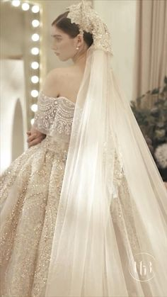 I love this wedding gown so much wedding gown Do you like it 😍 Pink Wedding Guest Dresses, Princess Wedding Dresses, Wedding Bridesmaid Dresses, Zuhair Murad Wedding Dresses, Wedding Dress With Gold, Movie Wedding Dresses, Zuhair Murad Bridal, White Wedding Gowns, Modest Wedding