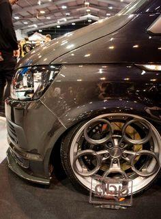 Volkswagen Touran, Vw T5, Vw Transporter Camper, Kombi Camper, Vw Caravelle, Gmc Safari, Aston Martin Cars, Cool Vans, Mini Trucks