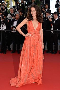 Andie MacDowell, égérie L'Oréal Paris, en robe Elie Saab printemps-été 2015 | Cannes 2015: Red carpet, day 6