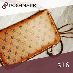 Brown Leather Crossbody Purse Brown leather small crossbody purse Bags Crossbody Bags Brown Leather Crossbody Purse, Small Crossbody Purse, Crossbody Bags, Upside Down Braid, Fashion Tips, Fashion Trends, Purses, Accessories, Things To Sell