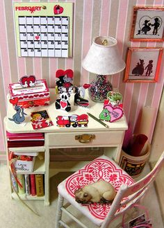 "DYI DOLLHOUSE MINIATURES: LITTLE STORIES: ""THE VALENTINE BOX"""