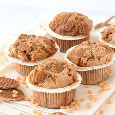 Deze stroopwafel muffins zijn ontzettend lekker en helemaal niet moeilijk om te maken. Je hebt zelfs geen mixer nodig. Het recept vind je hier.