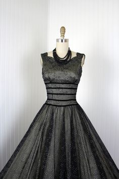 1950s Dress - Vintage 50s Dress - Black Nude Flocked Chiffon Full Skirt Cocktail Party Dress S - Arresting Smile.