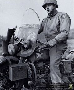 Riding Vintage article on the US Military Police astride their Harley-Davidson Motorcycles. Harley Davidson Wla, Harley Davidson Images, Harley Davidson Motorcycles, Victory Motorcycles, Military Photos, Military History, Motorcycle Posters, Motorcycle Gear, Military Drawings