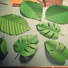The Art of Giant Paper Flowers- Hardback Art Book with Flower Template Workbook - Catching Colorlfies - long paper Fern leaves for your DIY paper flowers.You're in the Jungle, Baby: Felt Tropical Leaves & Greenerypaper clip the template Paper Flowers For Kids, Giant Paper Flowers, Paper Roses, Diy Flowers, Origami Flowers, Leaf Template, Flower Template, Construction Paper Flowers, Diy Paper