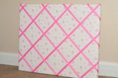 Ribbon memo board. Maybe i'll make this in zebra and pink for my niece.