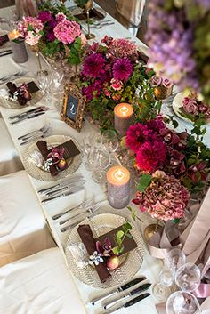 antiqueゲストテーブルフラワー Wedding Guest Table, Wedding Table Flowers, Wedding Table Settings, Flower Centerpieces, Table Centerpieces, Flower Arrangements, Bridal Shower Decorations, Reception Decorations, Table Decorations