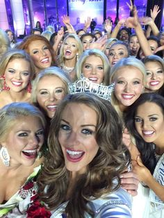 Selfie at Miss America 2016 http://pageantsnews.com/betty-cantrell-was-crowned-miss-america-2016/