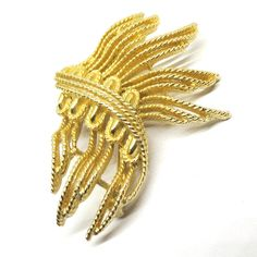 Gold Tone Brooch - Vintage, Lisner Signed, Eclectic Pin by MyDellaWear on Etsy $20