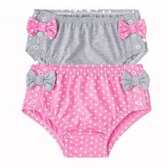 Resultado de imagem para cobre fralda passo a passo Little Girl Skirts, Little Girl Dresses, Little Girls, Toddler Outfits, Boy Outfits, Baby Bloomers Pattern, Girl Dress Patterns, Baby Pants, Diaper Covers