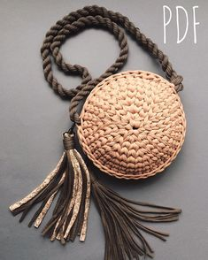 Image gallery – Page 792633603139741445 – Artofit Crochet Handbags, Crochet Purses, Crochet Yarn, Yarn Bag, Diy Handbag, Round Bag, Macrame Bag, Basket Bag, Knitted Bags