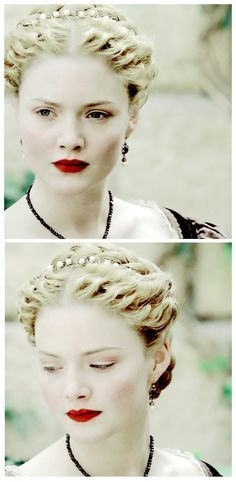 "Hamlet Design - Lucrezia in ""The Borgias"" Renaissance Hairstyles, Historical Hairstyles, Renaissance Era, Renaissance Fashion, Os Borgias, Lucrèce Borgia, Character Inspiration, Hair Inspiration, Holliday Grainger"