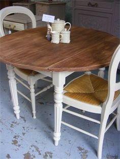 contraste plateau de table en bois et pieds peints en couleur!
