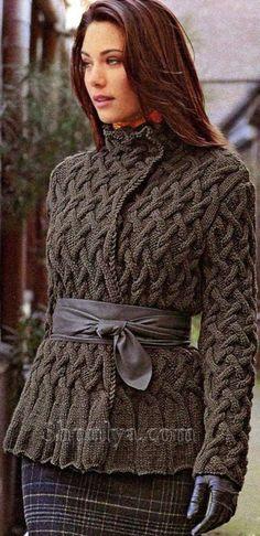 Кофта с узором из кос, вязаная спицами