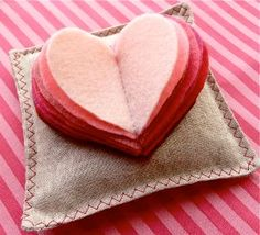 21 Valentine's Day Sewing Projects. Valentine's Day decorations, gifts, games and toys. #sewing #DIY