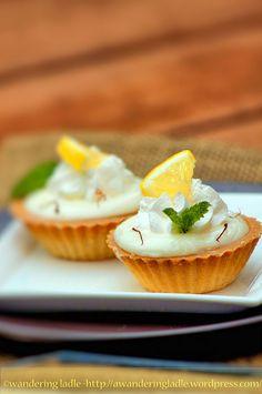 mini lemon tarts // for a bite sized dessert