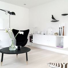 Scandinavian designed home - Maria L Dahlberg Rolf™ candlesticks in wood by freemover. Eames, Arne Jacobsen Chair, Montana Furniture, Black And White Love, Lap Desk, Egg Chair, Decoration, Candlesticks, Living Room