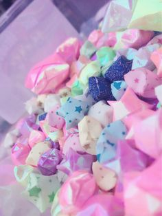 Image via We Heart It https://weheartit.com/entry/127626990/via/25307015 #asian #cute #kawaii #love #origami #Paper #stars #sweet